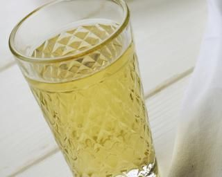 Cocktail anti-constipation au vinaigre de cidre : http://www.fourchette-et-bikini.fr/recettes/recettes-minceur/cocktail-anti-constipation-au-vinaigre-de-cidre.html