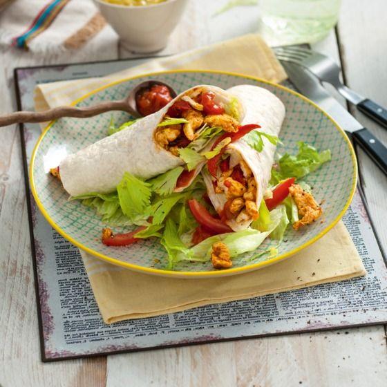 Snelle kipfajita met paprika - Extra lekker: serveer wat guacemole of zure room bij deze fajita's. #recept #kip #JumboSupermarkten