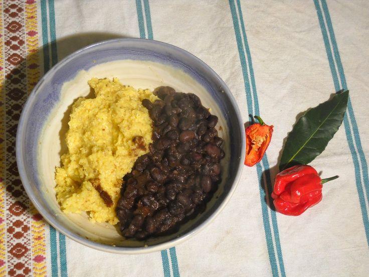 cincia del bosco: Fagioli neri piccanti con...polenta