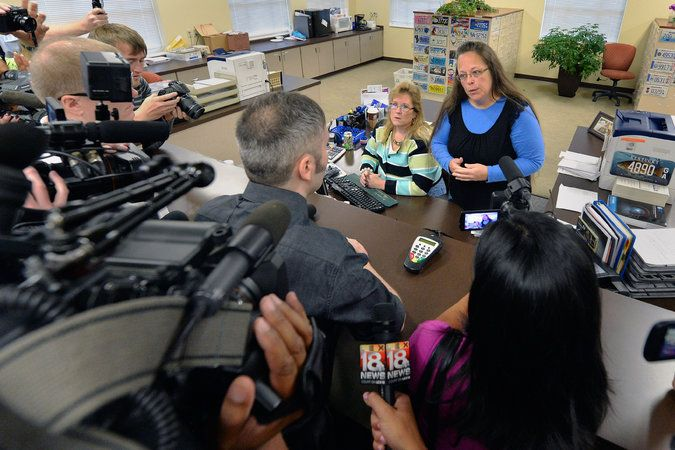 Kentucky Clerk Denies Gay Couples Marriage Licenses, Defying Court - THE NEW YORK TIMES #Kentucky, #Gay, #Marriage, #US