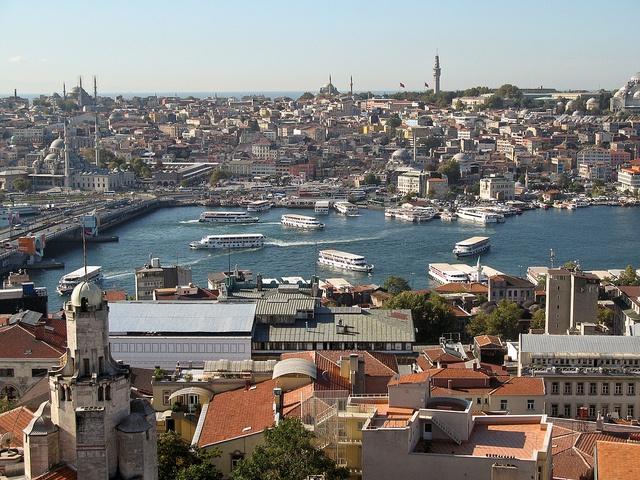 Goldenes Horn, Istanbul - 01, via Flickr.