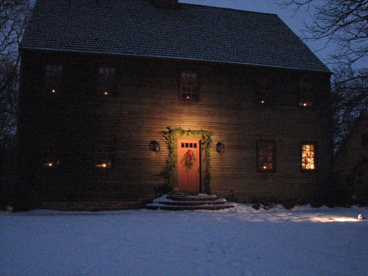 Best Colonial Christmas Homes Outdoors Images On Pinterest - Colonial christmas decorating ideas