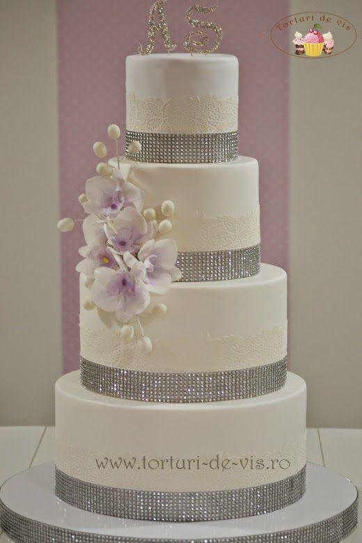 Tort de nunta cu orhidee si cristale