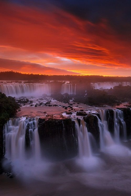The Seven Wonder, Iguaza Falls by piriya