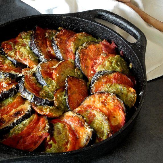 Gratin d'aubergine et de tomate au pesto   Blog de recettes bio : Le cri de la courgette...