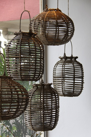 Bamboo lanterns... Please