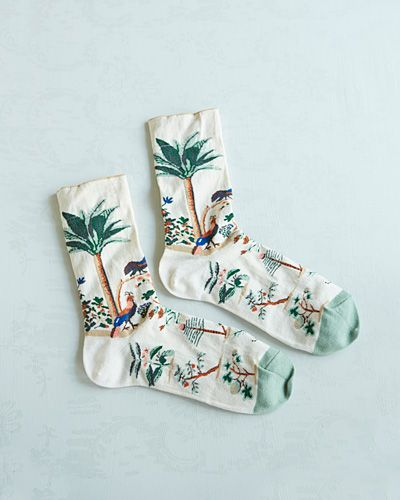 freyaloveschamomile:  Such beautiful socks! I think I would hang them on my wall instead of wearing them.