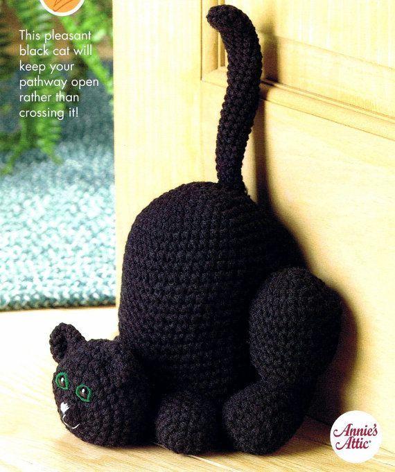 Annie S Scrap Crochet Club Scaredy Cat Doorstop Crochet