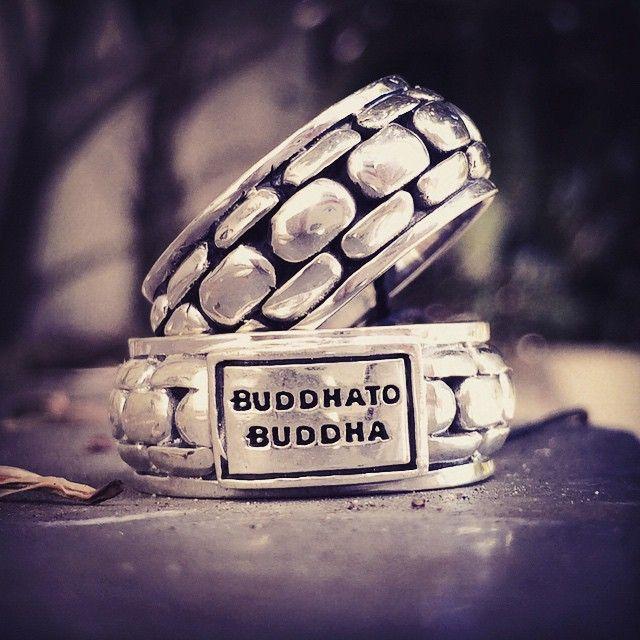 Buddha to Buddha ring Suzanne. Zilveren ring voor heren en dames. www.ajuweliers.nl