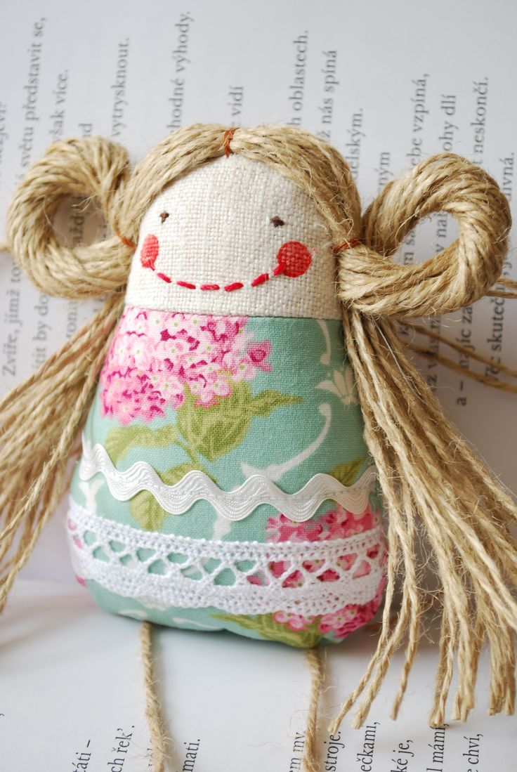 Her name is Rachel :o) Available at www.sashe.sk/Ciziky