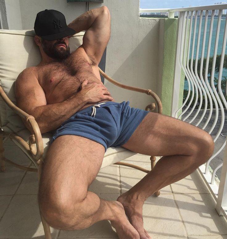 pics ebony muscle gay