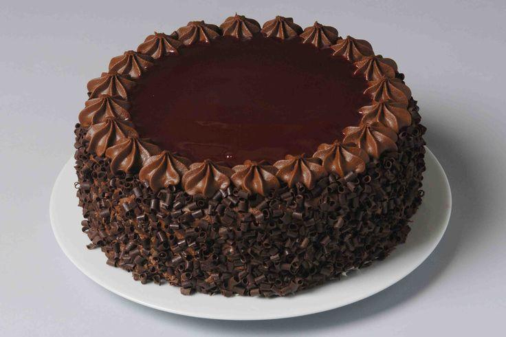 Classic Chocolate Cake - Sugar and Sprinkles | Sugar and Sprinkles
