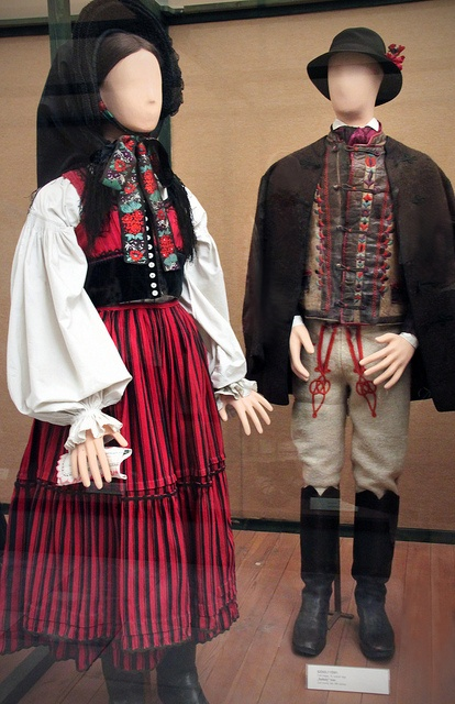 Székely couple, Csik county, late 19th century by Kotomicreations, via Flickr