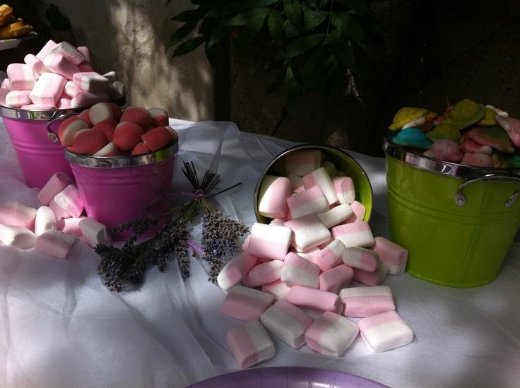 Secchielli di caramelle. L'angolo preferito dai bambini