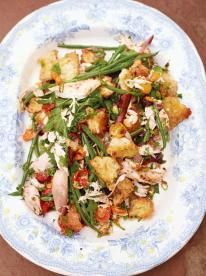 Jamie Oliver's Epic roast chicken salad, with golden croutons, green beans and sweet tomatoes!