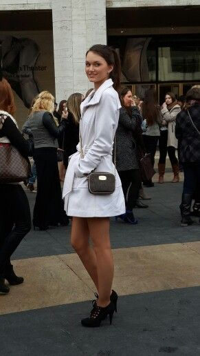 Cute outfit in the freezing cold - New York Fashion Week