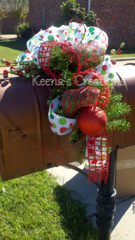 17 best images about mailbox christmas swags on pinterest for Christmas swags and garlands to make