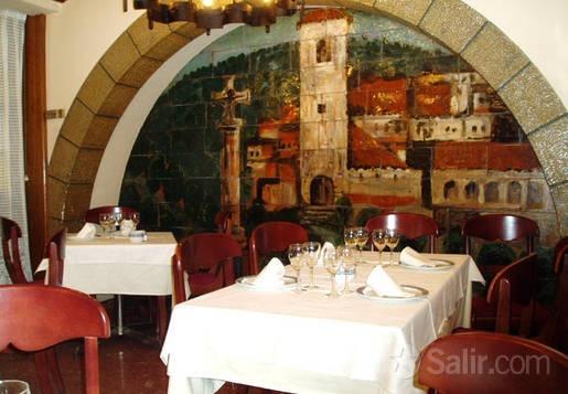 Restaurante Casa Gallega. Cocina gallega, pescados y mariscos, carnes, vinos. Bordadores 11, 28013 Madrid (Sol). http://madrid.salir.com/casa_gallega
