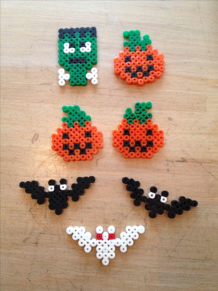 Halloween græskar, Frankenstein og flagermus lavet med perler.
