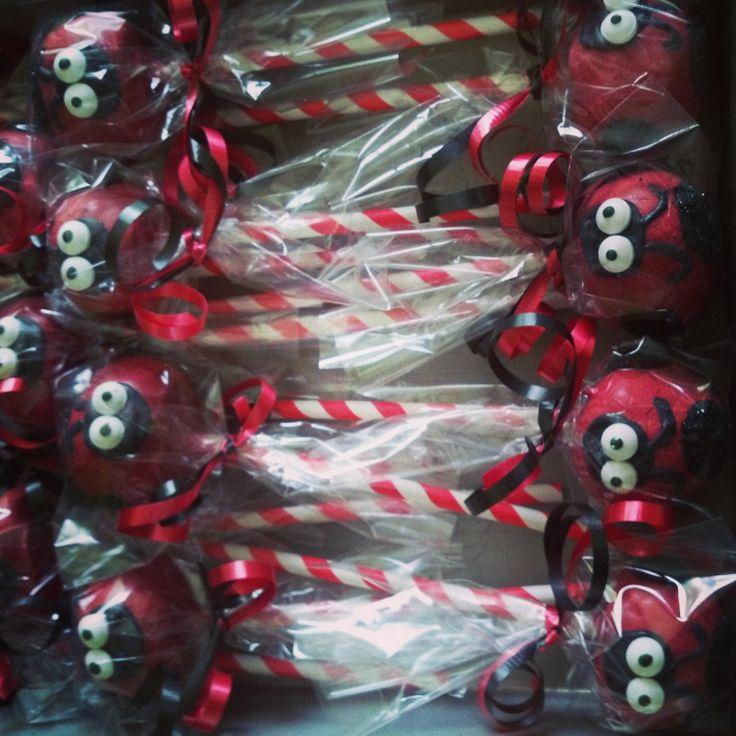 Ladybug+Cake+pops+by+SweetUOffYourFeet+on+Etsy,+$39.00
