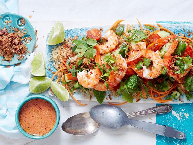 Put a spicy twist on healthy salads with this delicious Thai prawn recipe, complete with a zesty hot and sour sauce and crunchy toasted onions.