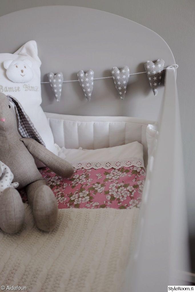 vauvan nurkkaus,vauvan sänky,pinnasänky,vintage,ikea