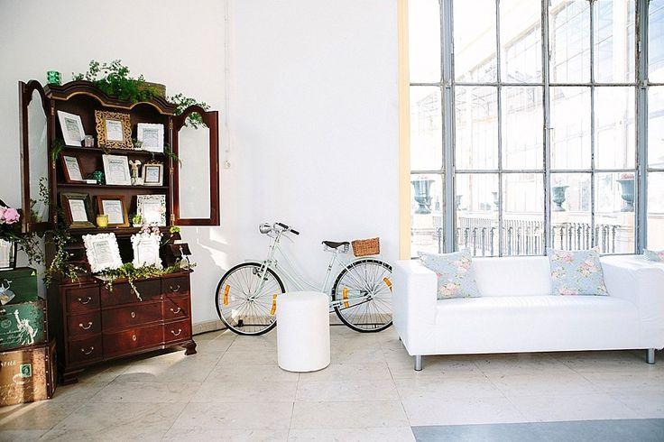 Lounge | #wedding #weddingdecoration #weddingideas #weddinginspiration #greenandwhite