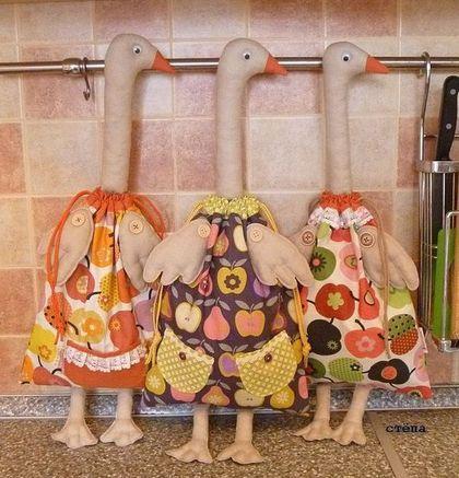 Кухня ручной работы. Ярмарка Мастеров - ручная работа. Купить Пакетница Гусь в яблоках.. Handmade. Кукла-пакетница, тильда