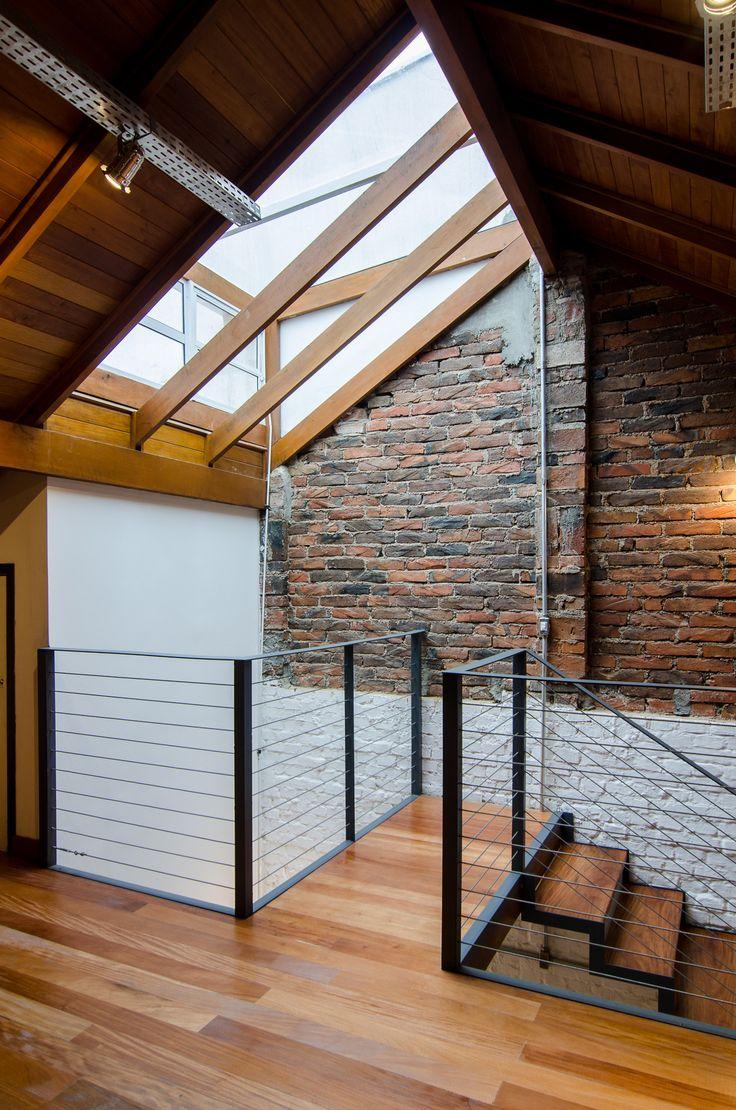 Iluminação natural através de zenital sobre escada