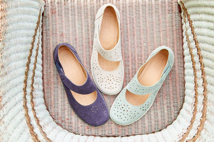The Helena shoes are an ideal transitional style.