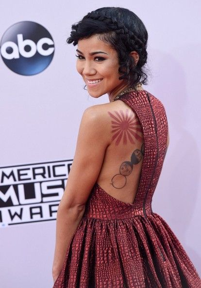 Jhene Aiko Photos: Arrivals at the American Music Awards