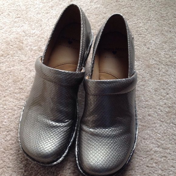 1000 Ideas About Nurse Mates Shoes On Pinterest Nursing