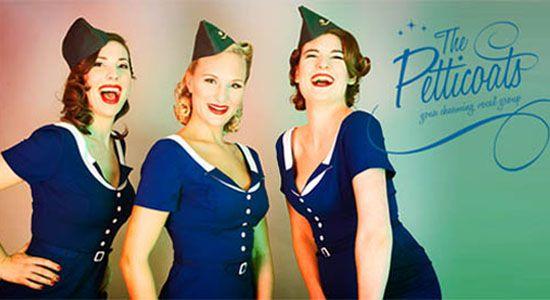 The Petticoats Drie charmante zangeressen voor een daverend en entertainend optreden als intermezzo tijdens uw diner of feest met vrolijk, nostalgisch en gevarieerd repertoire uit de jaren 40, jaren 50 en jaren 60.