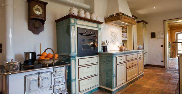 BAUR Landhausküche aus Massivholz und Keramik