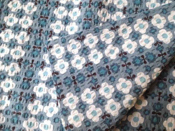 Destash Cotton textured fabric Retro flowers by theowlsarehunting