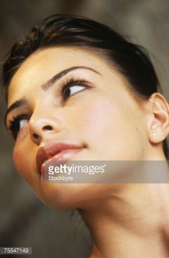 75547149-young-woman-looking-away-close-up-of-face-low-gettyimages.jpg (335×512)