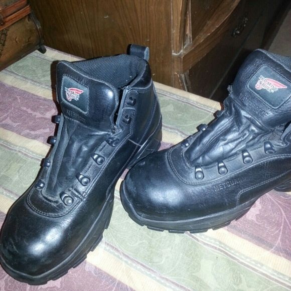 Red wings boots Black steal two with metatarsal guard.  Only worn about a month. Not even broke in. Great condition. Have reciept for price paid. red wings Shoes