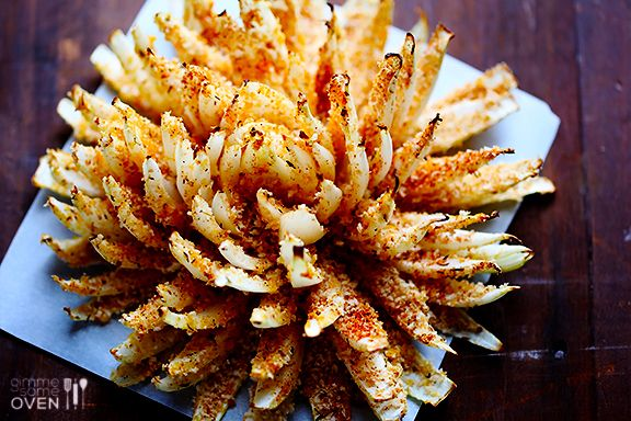 BAKED BLOOMING ONION http://www.gimmesomeoven.com/baked-blooming-onion/  ⇨ Follow City Girl at link https://www.pinterest.com/citygirlpideas/ for great pins and recipes!  ☕