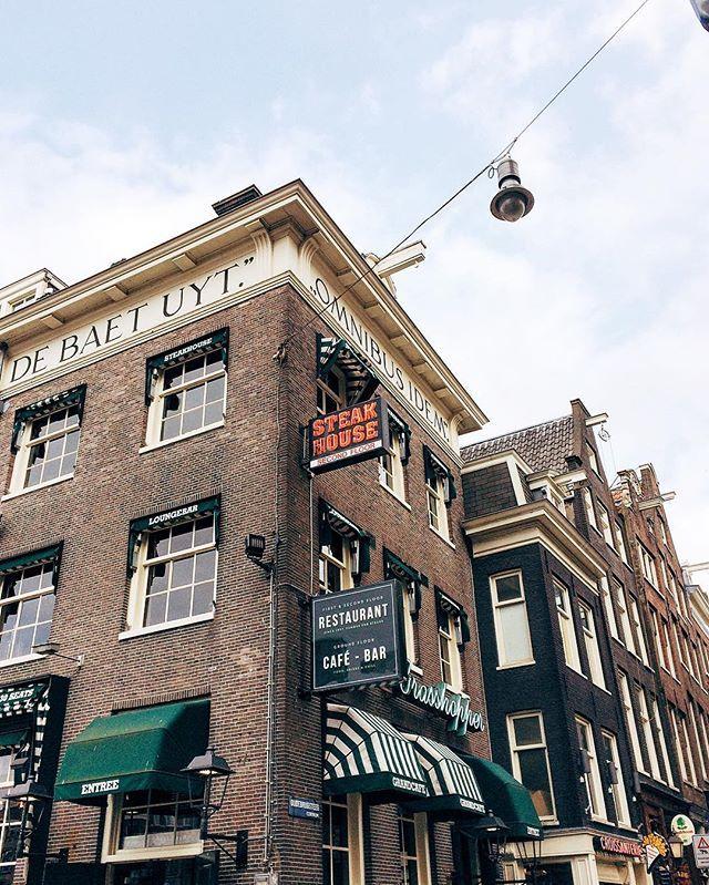 Esquinas de Amsterdam  || @aricretella || amsterdam corners' Netherland - arquitetura - Europe - travel tip - places to visit - dicas de viagem