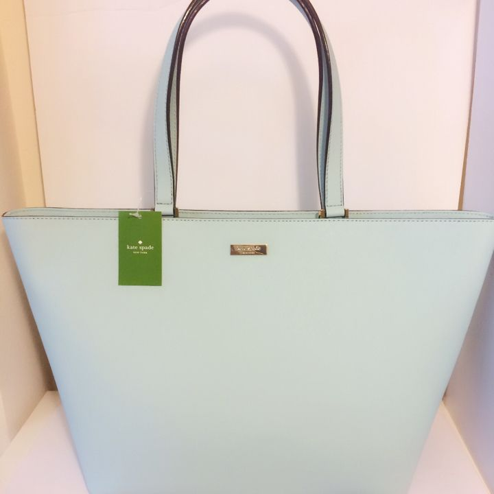 I just listed Kate Spade Jules Tot… ($150) on Mercari! Come check it out! https://item.mercari.com/gl/m797403426/