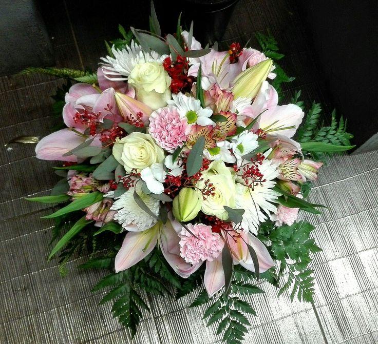 Flowers bucket. 🎅