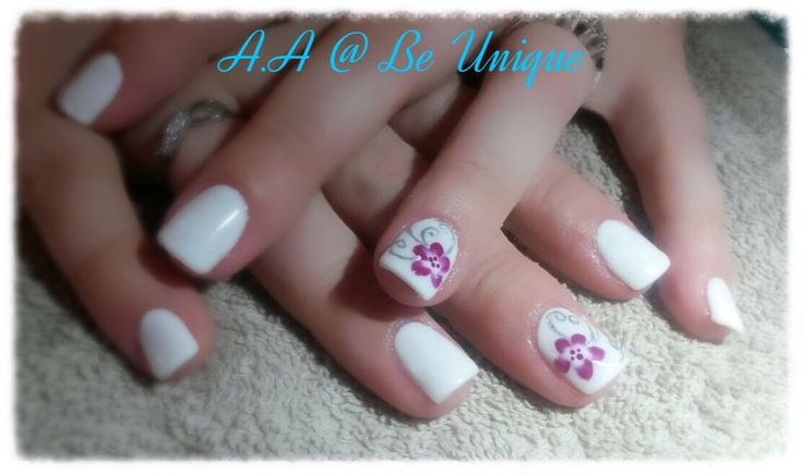 Nails done by Angelique Allegria. #white #onestroke #purple #flower #nailart #BeUnique @angiedsa