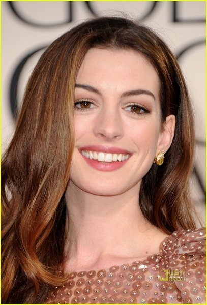 Anna Hathaway natural makeup