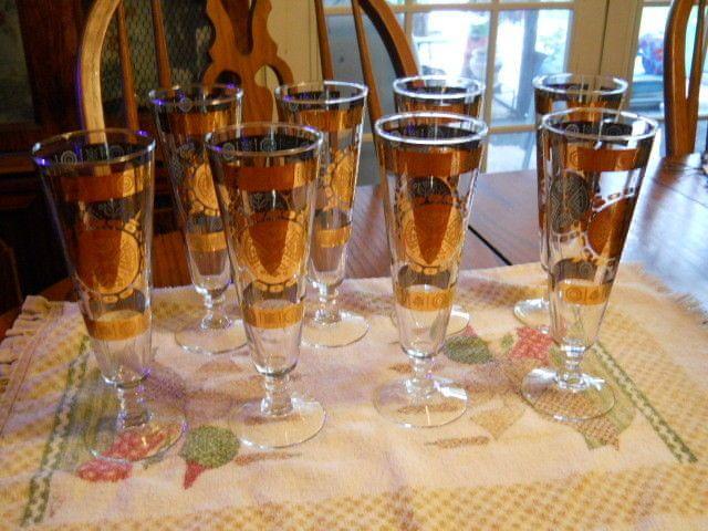 Mid-Century 8 Vito Bari Gold Embossed  Pilsner Beer Glasses Fluer de Lis