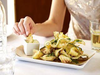 ZUCCHINI FRITTI   Romano's Macaroni Grill Copycat Recipes http://romanosathome.blogspot.com/2012/04/zucchini-fritti.html   ⇨ Follow City Girl at link https://www.pinterest.com/citygirlpideas/ for great pins and recipes!  ☕