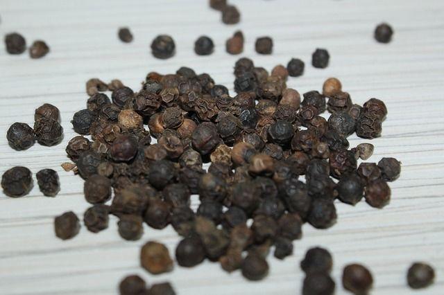 pieprz czarny, piperyna