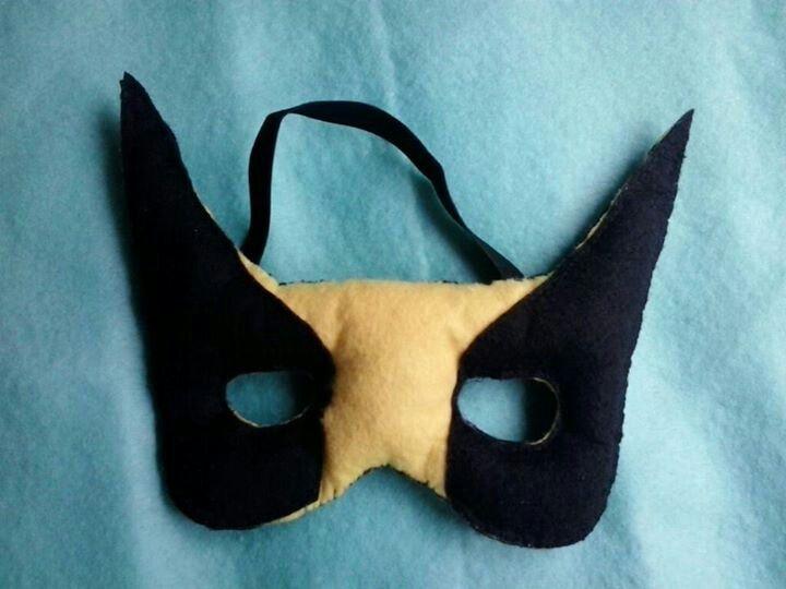 Mascara lobezno.Fieltros de Sevilla