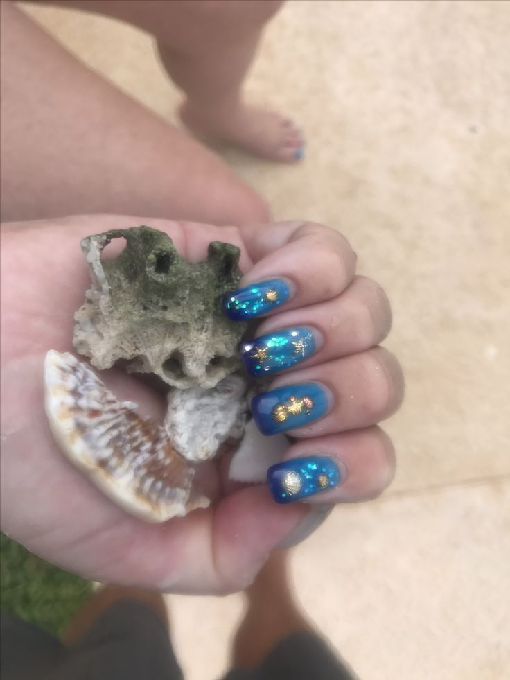 Seashell colour changing Mexico nails