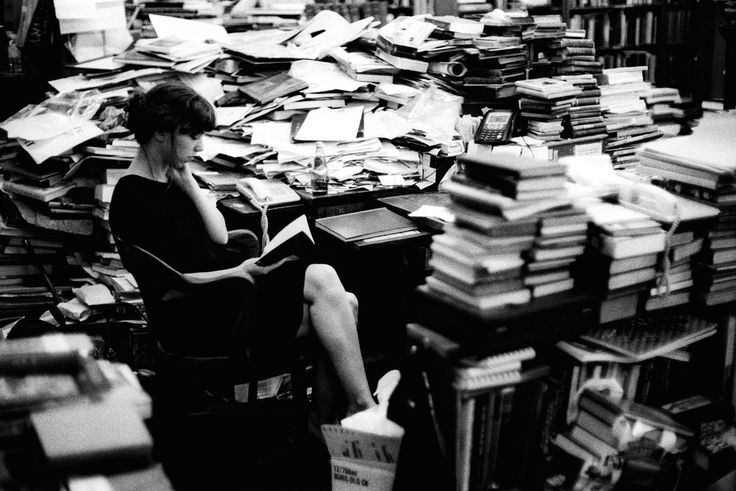 Christopher Lowell ~ Bookstore Employee, Vancouver, 2006