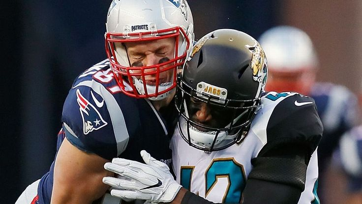 Rob Gronkowski in 'pretty good spirits' after taking hit to helmet